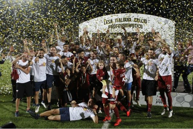 Il Trapani vince 2-0 contro il Piacenza e conquista la Serie B